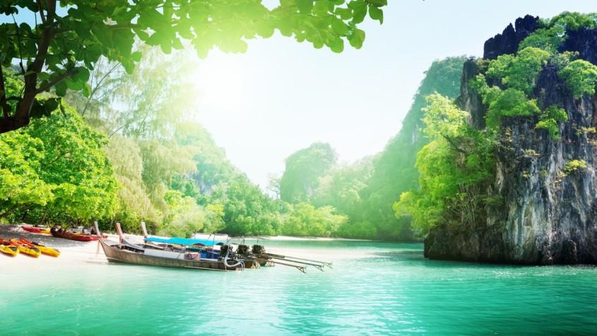 paysage_bateaux_eau_bleu_magistrale